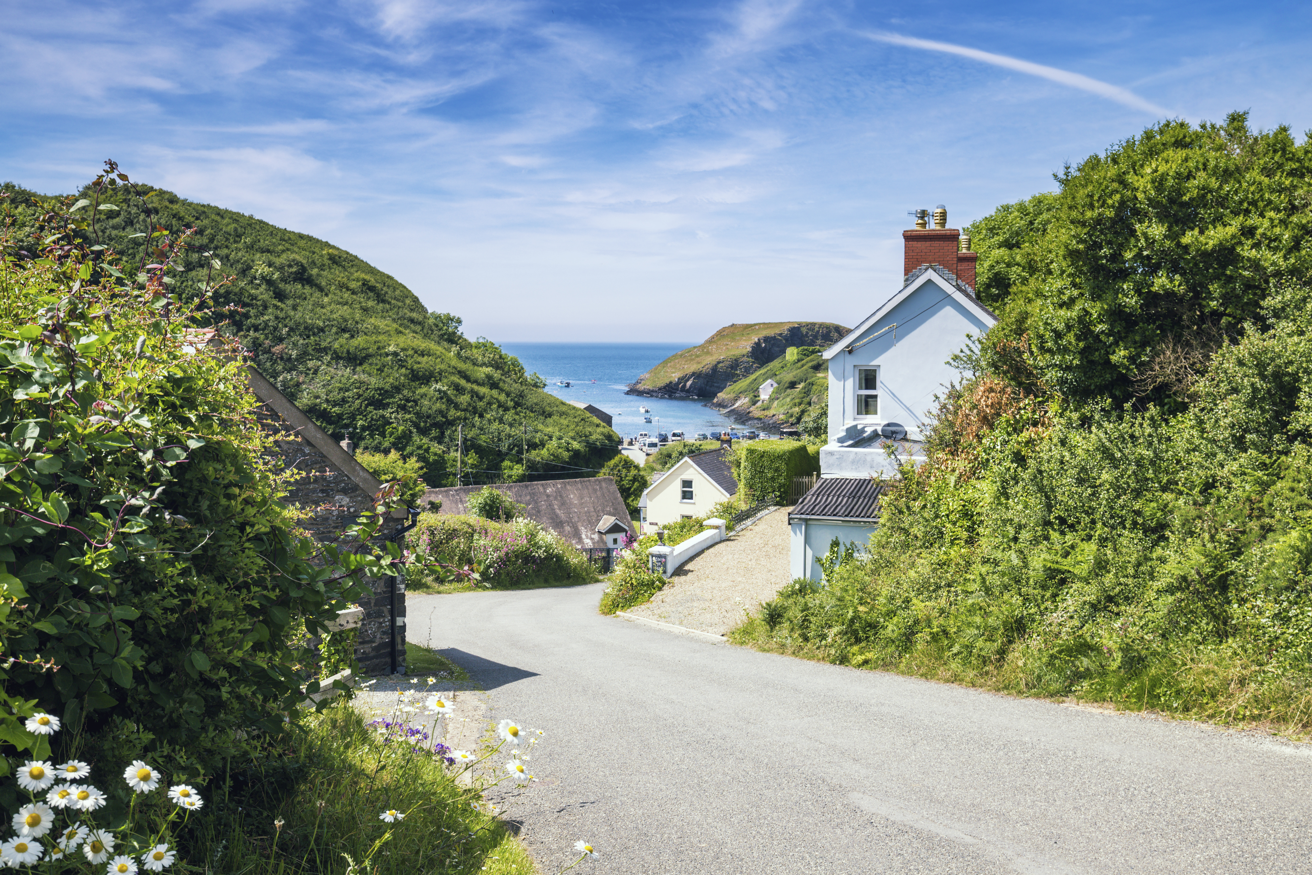 Late availability holiday cottages in Wales